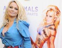 Pamela Anderson - Londra - 24-10-2010 - Pamela Anderson-Julian Assange: tutta le verità in una lettera