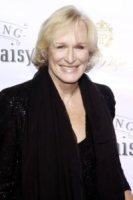 Glenn Close - New York - 25-10-2010 - Glenn Close aiuta un soldato con stress post traumatico in un reality show