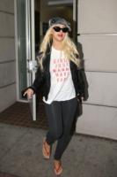 Christina Aguilera - Beverly Hills - 28-10-2010 - Christina Aguilera si consola con un nuovo uomo