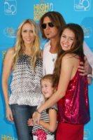 Laetitia Jean, Billy Ray Cyrus, Miley Cyrus - 13-08-2007 - Miley Cyrus vuole riunire la famiglia per i suoi diciotto anni