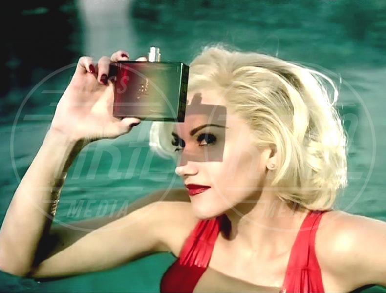 L.A.M.B., Gwen Stefani - 06-09-2007 - Profumo di star: Katy Perry comanda la fila