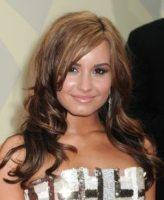 Demi Lovato - New York - 18-08-2010 - Demi Lovato torna nel centro in cui si è fatta curare ma come speaker