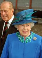 Regina Elisabetta II - Gloucestershire - 23-10-2009 - Online il profilo Facebook della Regina Elisabetta II