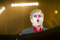 Elton John - Los Angeles - 09-11-2010 - Sir Elton John ricoverato per un'appendicite