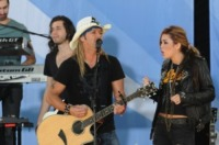 Miley Cyrus, Bret Michaels - New York - 18-06-2010 - Bret Michaels chiude il 2010 in bellezza, felice di essere fidanzato