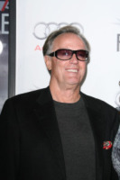 Peter Fonda - Hollywood - 11-11-2010 - Peter Fonda scopre un cadavere in un'auto