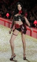 Adriana Lima - New York - 10-11-2010 - Gisele Bundchen è ancora la top model più pagata per Forbes