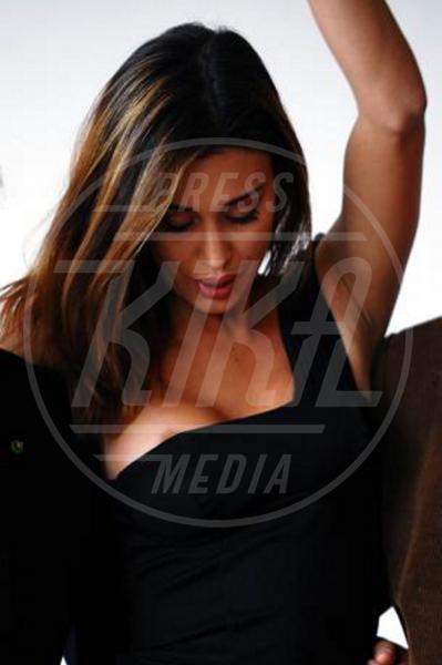 Belen Rodriguez - Roma - 12-11-2010 - I segreti delle dive non sono più coperti…dal vestito