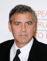 George Clooney - New York - 17-11-2010 - George Clooney contento che l'uomo piu' sexy del mondo non sia Brad Pitt