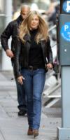 Jennifer Aniston - New York - 18-11-2010 - Jennifer Aniston non sta per adottare un bambino