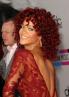 Rihanna - Los Angeles - 21-11-2010 - Eminem domina le nomination ai Grammy