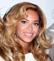 Beyonce Knowles - New York - 23-11-2010 - Beyonce si e' liberata dei soldi di Gheddafi un anno fa