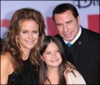 Ella Bleau, Kelly Preston, John Travolta - Los Angeles - 24-11-2010 - A un anno dalla morte di Jett, John Travolta e Kelly Preston diventano genitori di Benjamin