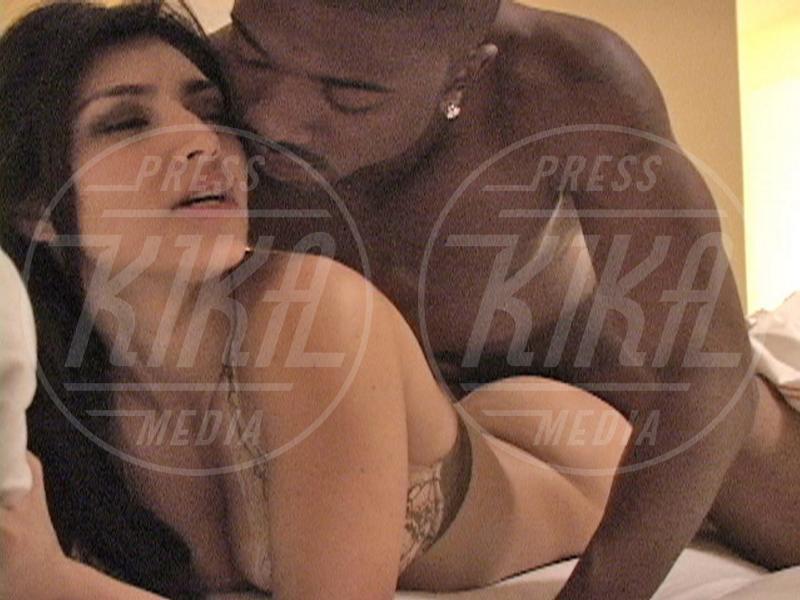 Kim Kardashian, Ray J - Quelli che… gli rubano il film hard