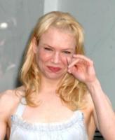 Renee Zellweger - Los Angeles - 24-05-2005 - Commozione delle celebrità, o lacrime di coccodrillo?