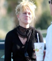 Melanie Griffith - Beverly Hills - 31-01-2006 - Star come noi: anche i ricchi piangono