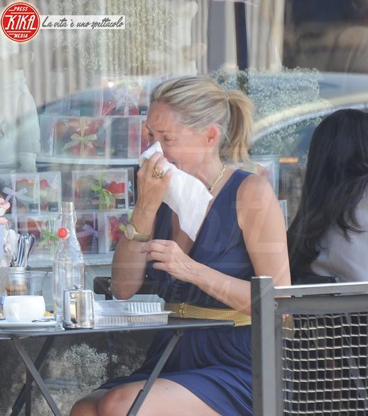 Sharon Stone - 18-07-2010 - Commozione delle celebrità, o lacrime di coccodrillo?