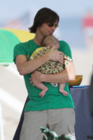 Jackson Riley Santana, Jim Carrey - Malibu - 04-07-2010 - La figlia di Jim Carrey, neomamma, divorzia dopo un anno