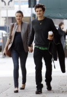 Miranda Kerr, Orlando Bloom - Beverly Hills - 12-12-2010 - Orlando Bloom marito romantico
