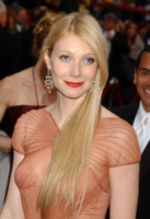 Gwyneth Paltrow - Los Angeles - 15-12-2010 - Gwyneth Paltrow torna a Glee