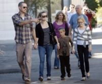 Deacon, Jim Toth, Ava, Reese Witherspoon - Los Angeles - 12-12-2010 - Reese Witherspoon si e' sposata, Sean Penn e Scarlett Johansson tra gli invitati