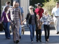 Deacon, Jim Toth, Ava, Reese Witherspoon - Los Angeles - 12-12-2010 - Reese Witherspoon e' fidanzata