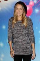 Lauren Conrad - Los Angeles - 16-12-2010 - Lauren Conrad regala gli abiti della sua linea per Natale