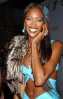 Naomi Campbell - Hollywood - 07-02-2004 - Naomi Campbell ignora il tribunale