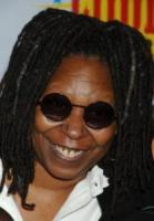 "Whoopi Goldberg - Westwood - 01-04-2006 - ""Wake up With Whoopi"", la medium di ""Ghost"" passa alla radio"
