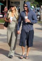 Cy Waits, Paris Hilton - Maui - 21-12-2010 - Cy Waits pronto a chiedere la mano di Paris Hilton