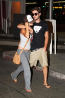 Zac Efron, Vanessa Hudgens - Los Angeles - 15-12-2010 - Zac Efron e Vanessa Hudgens visti di nuovo insieme