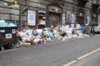 Rifiuti a Napoli - Napoli - 26-12-2010 - Rifiuti a Napoli: esercito di nuovo in azione per l'emergenza