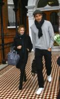 """Andres Velencoso, Kylie Minogue - Tossa De Mar - 13-01-2010 - Kylie Minogue sta pensando a una madre surrogata, """"Dopo il cancro non posso più avere figli"""""""