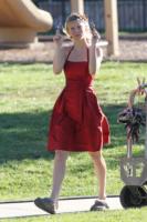Heather Morris - Northridge - 28-12-2010 - Celebrity con i piedi per terra: W le pantofole!