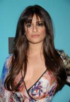 Lea Michele - Los Angeles - 28-12-2010 - Lea Michele di Glee fa arrabbiare i gruppi di genitori posando per Cosmpopolitan