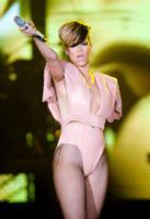 Rihanna - Glasgow - 20-05-2010 - Arriva a Hollywood un nuovo libro che racconta una relazione omosessuale di Rihanna