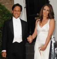 Arun Nayar, Elizabeth Hurley - Londra - 24-06-2010 - Elizabeth Hurley chiede il divorzio