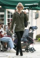 Renee Zellweger - Santa Monica - 05-10-2010 - Morto il padre di Bradley Cooper, Renee Zellweger ha rinunciato ai Golden Globe per lui