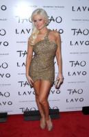 Holly Madison - Las Vegas - 31-12-2010 - Lite tra conigliette nella Playboy Mansion