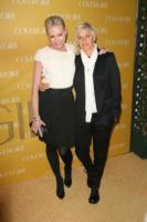 """Ellen DeGeneres, Portia De Rossi - West Hollywood - 05-01-2011 - Ellen DeGeneres nel mirino di """"un milione di mamme"""" per il contratto con JC Penney"""
