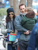 """Darren Aronofsky, Henry, Rachel Weisz - New York - 06-01-2011 - Rachel Weisz si sente ancora """"una sposina"""""""