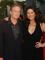 "Catherine Zeta Jones, Michael Douglas - Los Angeles - 19-05-2003 - Michael Douglas: ""Ho sconfitto il cancro"""