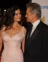 "Catherine Zeta Jones, Michael Douglas - Los Angeles - 18-11-2010 - Michael Douglas: ""Ho sconfitto il cancro"""