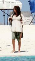 Penelope Cruz - Madrid - 11-10-2010 - Penelope Cruz sceglie L'Wren Scott per mettere in mostra il fisico dopo la gravidanza