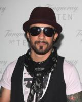 AJ McLean - Los Angeles - 14-01-2011 - AJ McLean in clinica prima del matrimonio