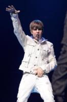 Justin Bieber - Los Angeles - 14-01-2011 - Justin Bieber in ospedale dopo aver registrato Csi