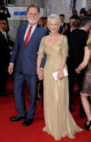 Taylor Hackford, Helen Mirren - Los Angeles - 16-01-2011 - Golden Globes 2011: le coppie sul red carpet