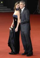 Elisabetta Canalis, George Clooney - Roma - 28-07-2010 - George Clooney ha superato l'attacco di malaria