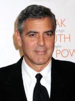 George Clooney - New York - 17-11-2010 - George Clooney ha superato l'attacco di malaria