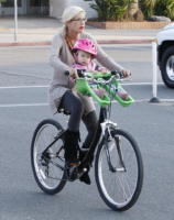 Tori Spelling - Los Angeles - 29-09-2010 - Tori Spelling porta il figlio Liam al pronto soccorso